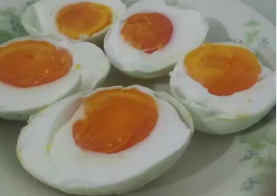 流油咸鸭蛋简易制作方法3.png